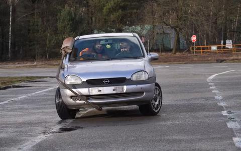 Автомобиль с двумя рулями: п…
