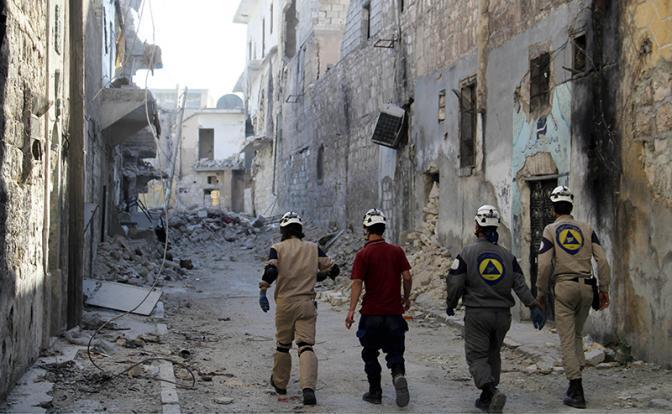 «Белые каски» бегут от Асада, моля о пощаде