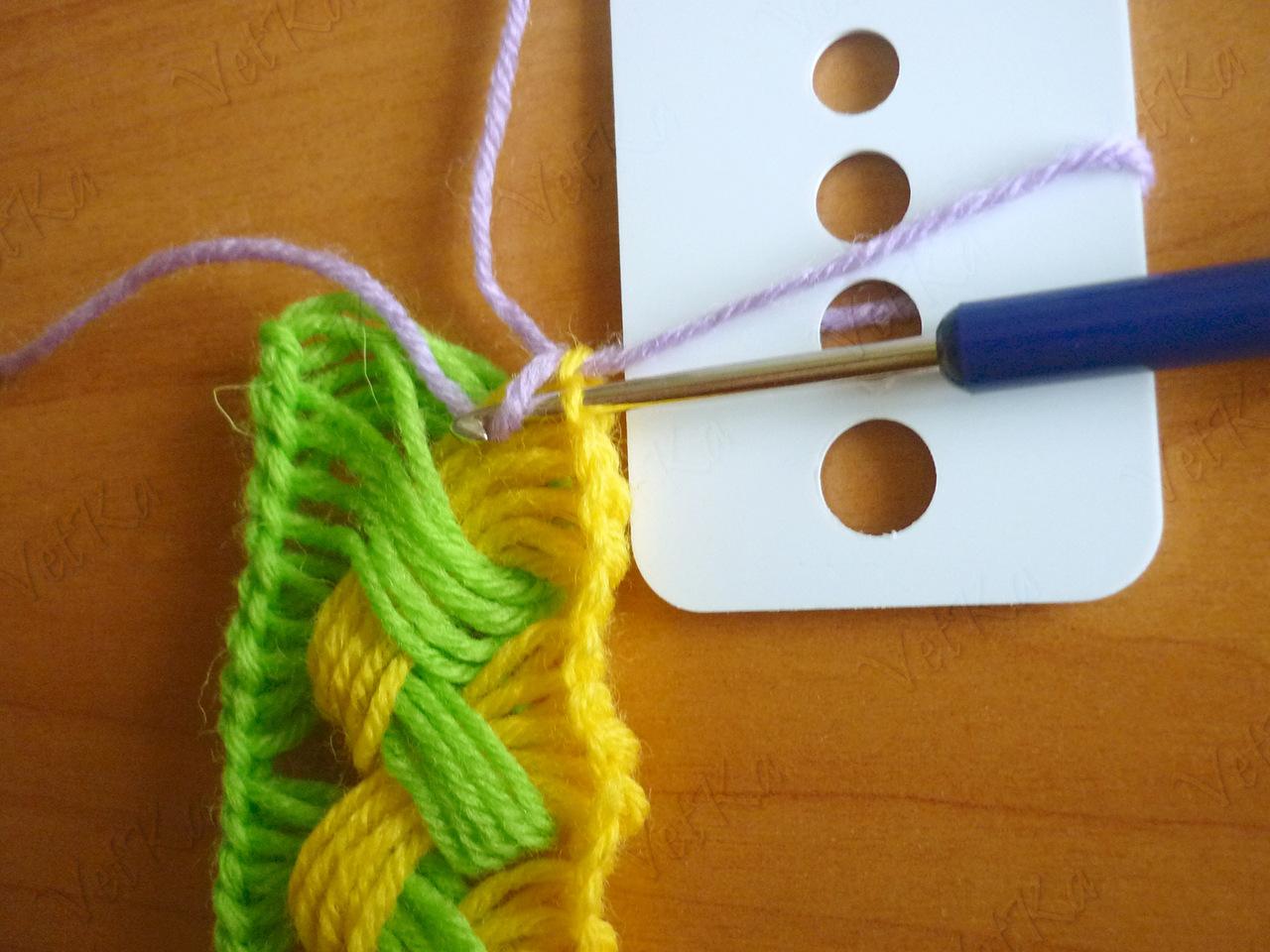 Позитивный шарф крючком на линейке