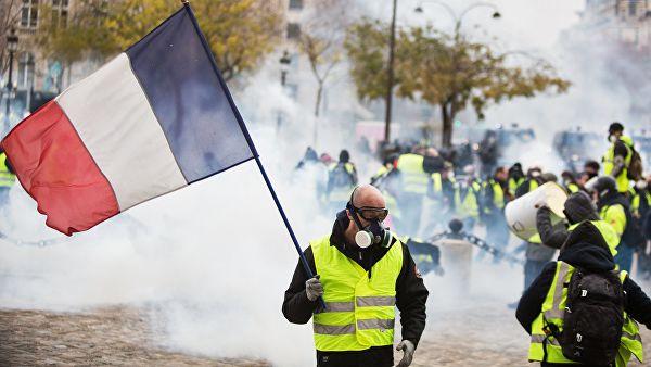 С начала акций протеста во Франции задержали более четырех тысяч человек
