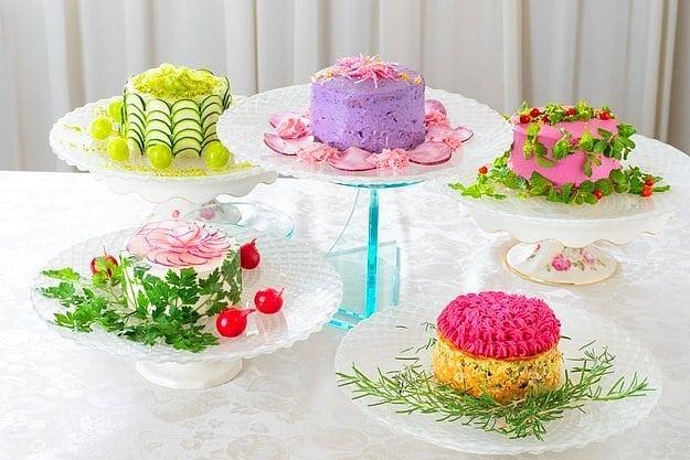 Как думаете из чего сделаны эти аппетитные тортики?