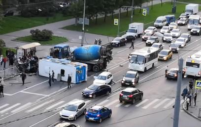 Три человека погибли в ДТП с маршруткой в Санкт-Петербурге
