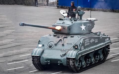Какая комфортная иномарка: тест-драйв американского танка «Шерман»