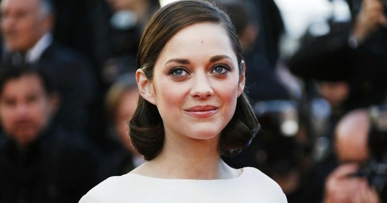 Стильные выходы французской актрисы Марион Котийяр