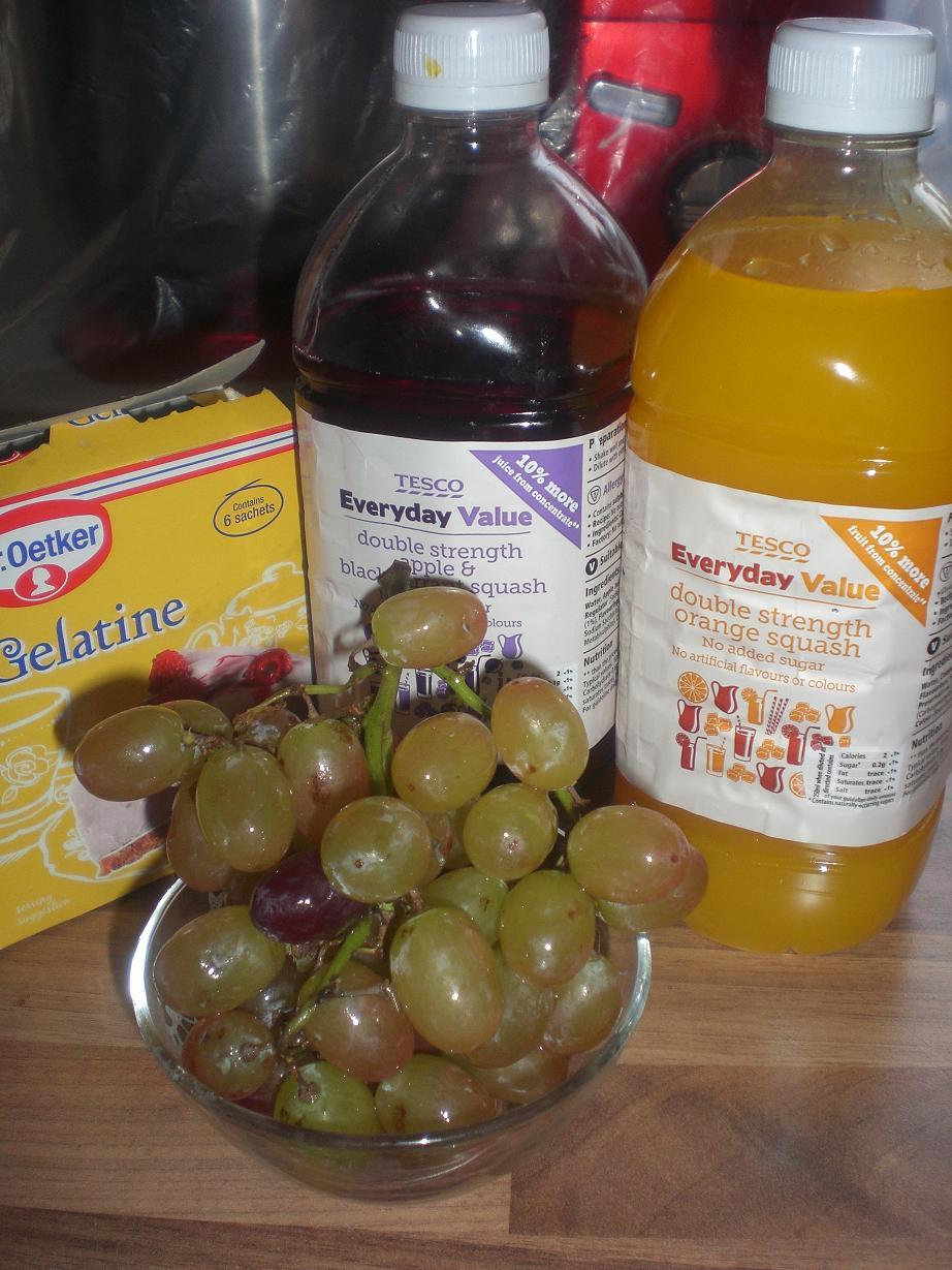 Фруктовое желе из винограда, апельсинового и черносмородинного или иного сока.. как мы его делаем в Англии