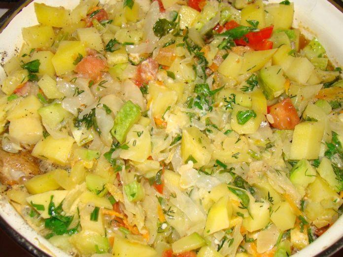 Готовьте побольше: вкусное овощное рагу с куриной грудкой