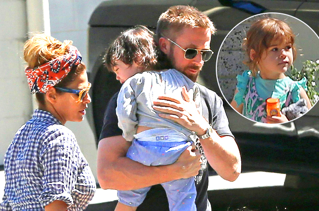 Семейный день: Ева Мендес и Райан Гослинг на прогулке с дочерьми в Лос-Анджелесе