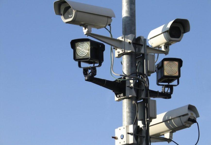 Дорожные камеры начнут искать машины без ОСАГО уже зимой