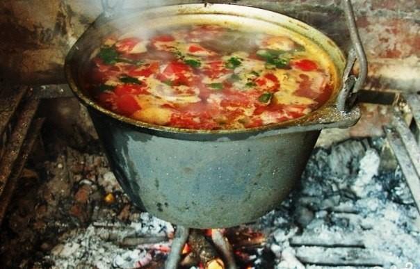 Кавказский Шулюм из баранины на костре – наваристый и невероятно вкусный суп