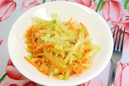 Салат из редьки с яблоком и лимоном