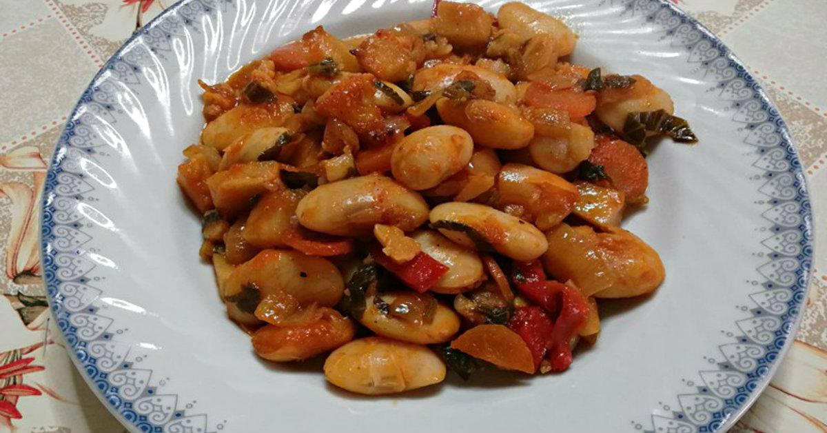 запеченная фасоль в томатном соусе
