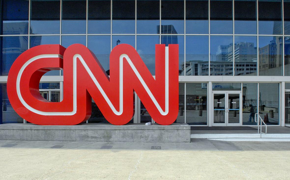 Телеканал CNN уволил трех сотрудников за статью о связях Трампа с Россией