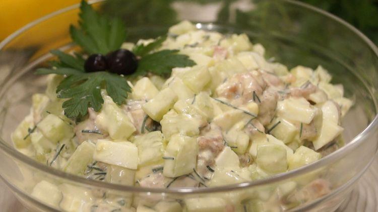 Такой салат, съедается быстрее, чем готовится