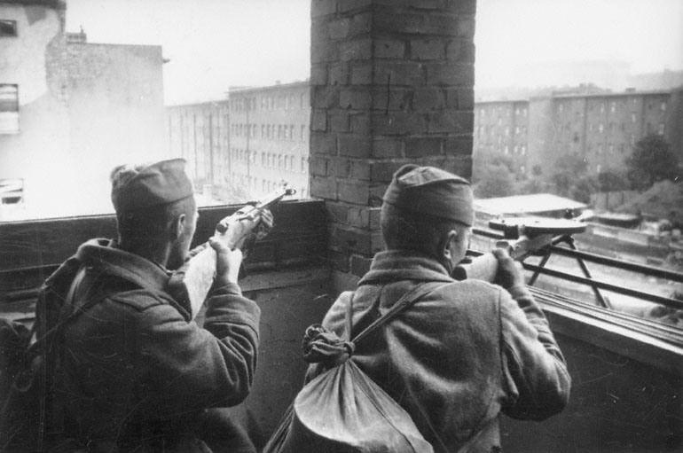 Мультатули Петр: В тот день когда взяли Берлин и   фотографии Берлина 1945