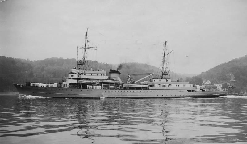 Корабль управления «Ангара»: бывшая яхта Гитлера и другие мифы. Часть 1