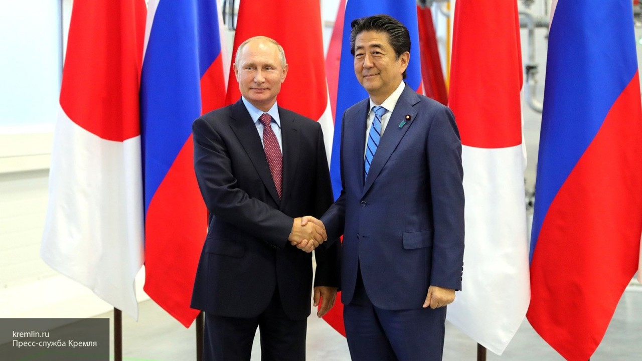 Синдзо Абэ заявил о готовности провести встречу с Путиным в ноябре-декабре