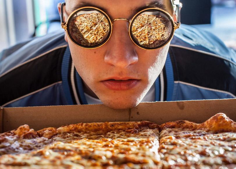 Как халявщики из России провалили акцию «Пожизненная пицца за тату»