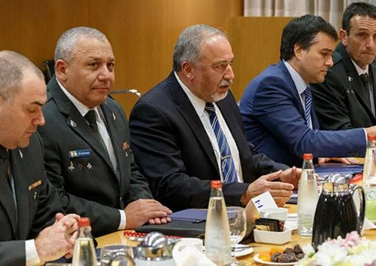 В СМИ Израиля заявили о возможном уходе Либермана с поста министра обороны