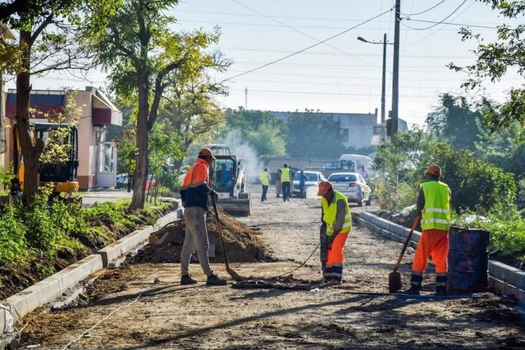 В Евпатории обновляют шесть улиц