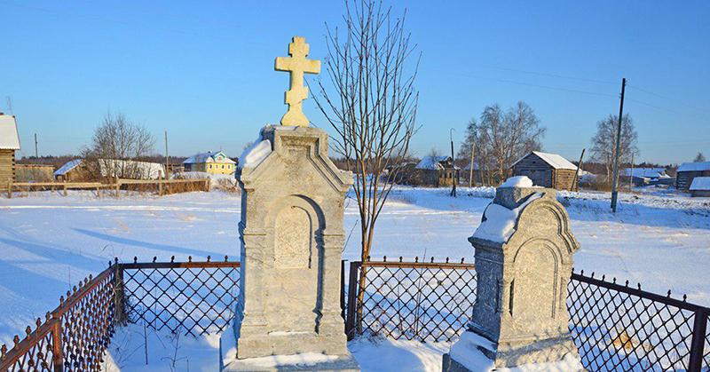 Почему зимой нельзя навещать усопших родственников (главная ошибка) и убирать снег возле памятника