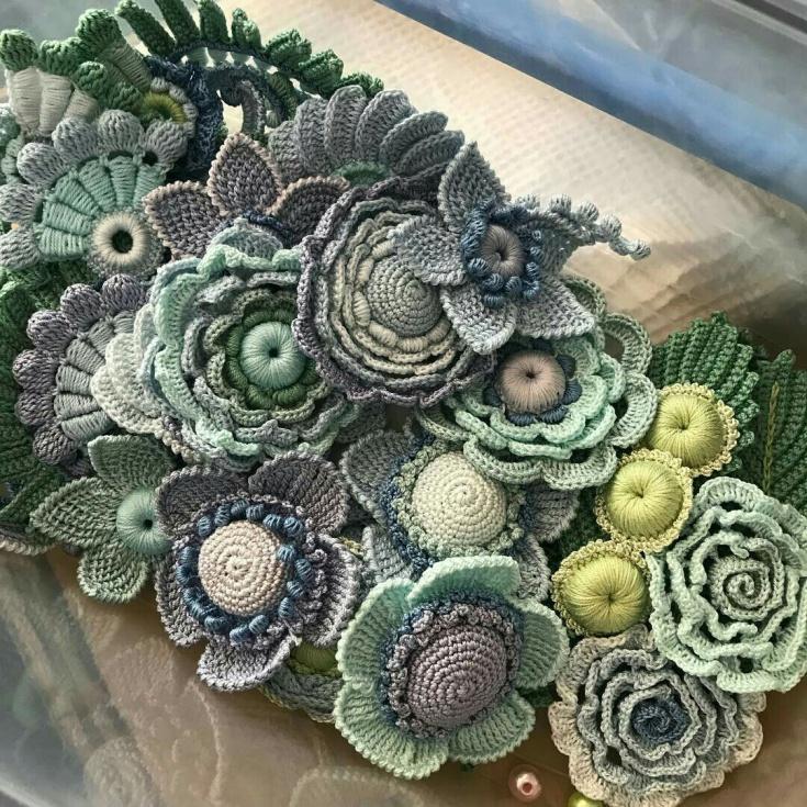 Вязаные цветы и суккуленты