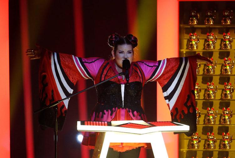 «Смотреть противно!»: люди по всему миру критикуют победительницу Евровидения-2018