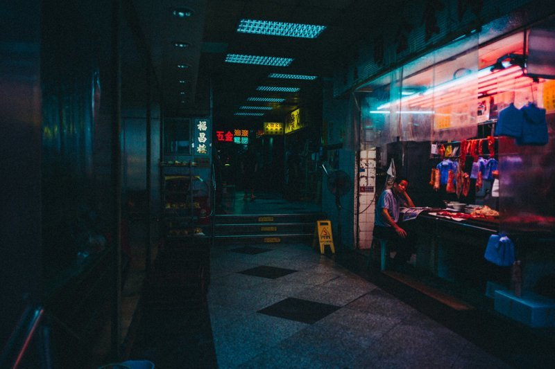 Немецкий стрит-фотограф сделал серию потрясающих снимков футуристических бетонных джунглей Гонконга андре джосселин, гонконг, стрит-фото, фотографии