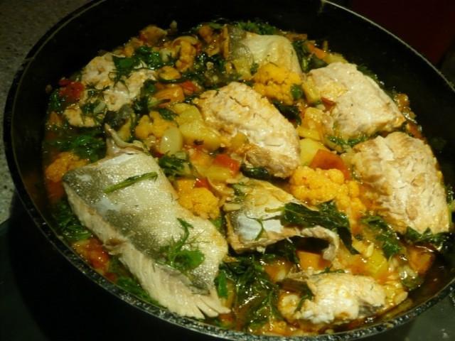 Горбуша с овощами и рисом