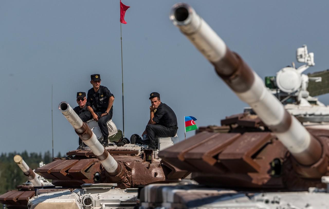 Какое оружие Азербайджан покупал у России