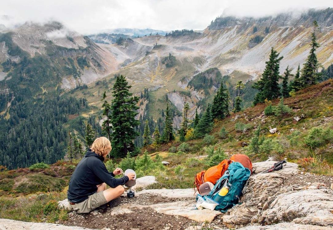 Инструкция для тех, кто готовится к походу в горы: что нужно с собой взять?