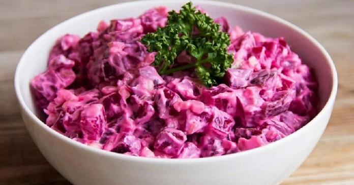 Салат «Каприз» со свеклой и вареной колбаской