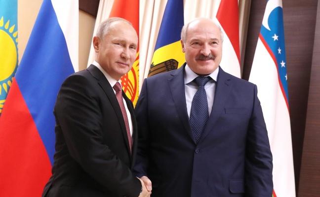 Путин поздравил Лукашенко с Днем независимости Белоруссии: «братская дружба навек»