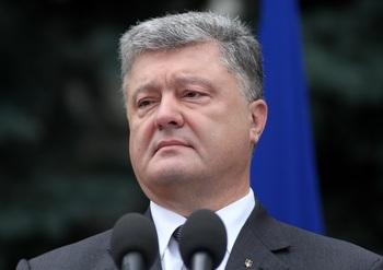 Порошенко заявил о безальтернативности курса на вступление Украины в НАТО