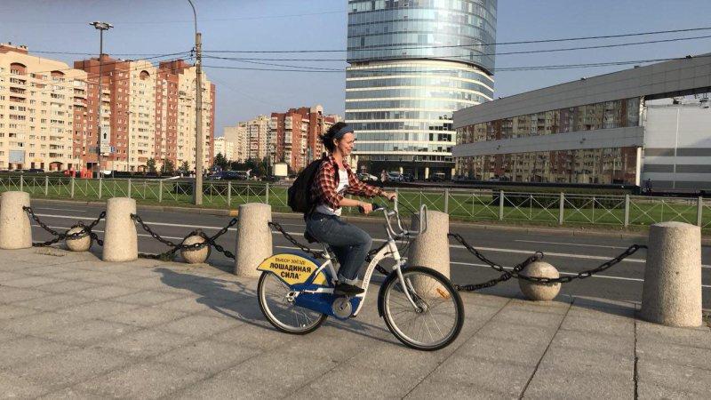 В Санкт-Петербурге отметили Всемирный день без автомобиля велопарадом
