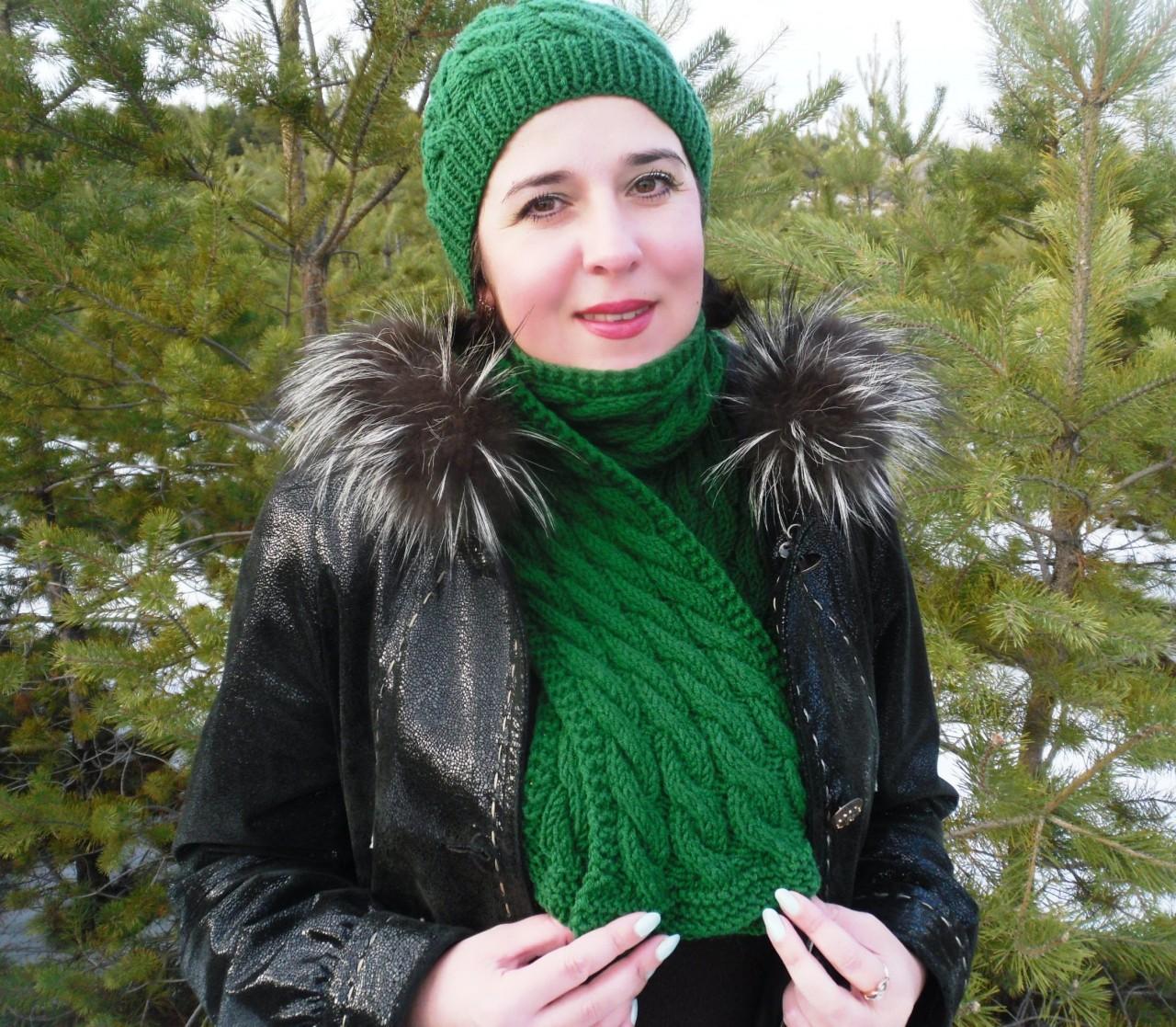 Мастер-класс по вязанию шапки и шарфа с узором «Косы»