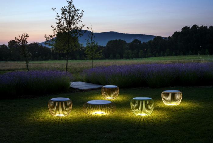 Дизайнерские светильники-табуреты.