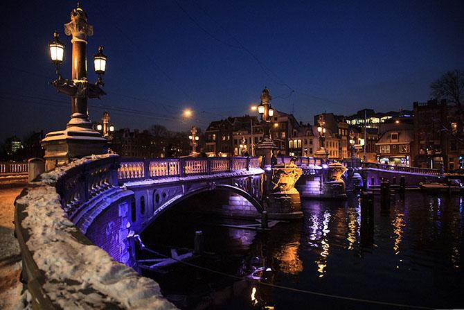 Амстердам в цифрах и фотографиях