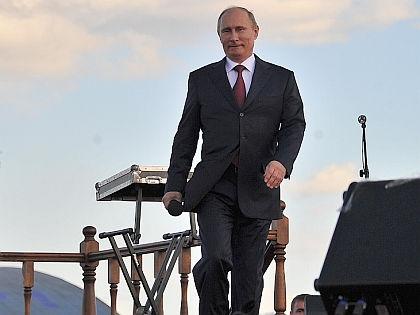 В Крыму и Чечне Путину довер…