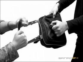 В Уфе поймали бомжа, ограбившего на улице горожанку