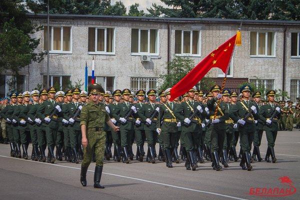 Китайские военные в Беларуси – что задумал Батька?