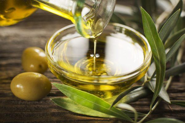 Картинки по запроÑу 5 Ñамых лучших ÑвойÑтв и преимущеÑтв оливкового маÑла, о которых вы должны знать