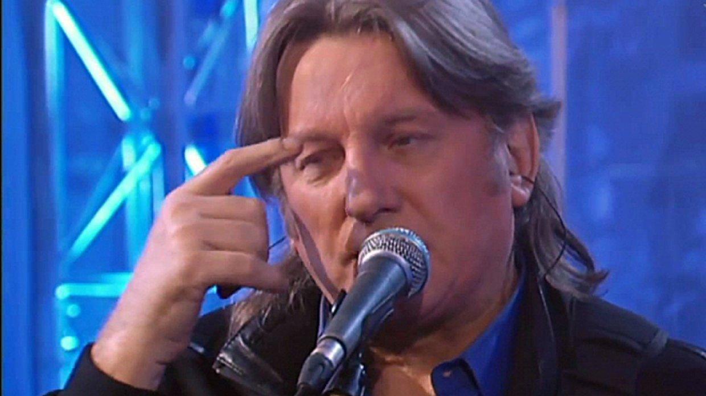 «Гречку я ем, а не слушаю»: Лоза отреагировал на слова Земфиры о современных певицах