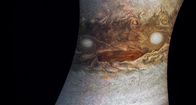 Астроном Джейсон Мэйджор нашел «лицо» у Юпитера