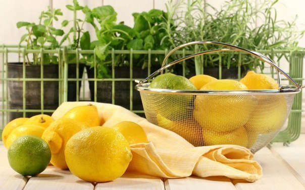 Как лечиться лимонным соком