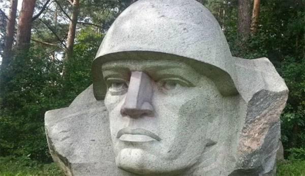 Снова снос монумента в Литве. Памятники советским воинам приводят их в ужас