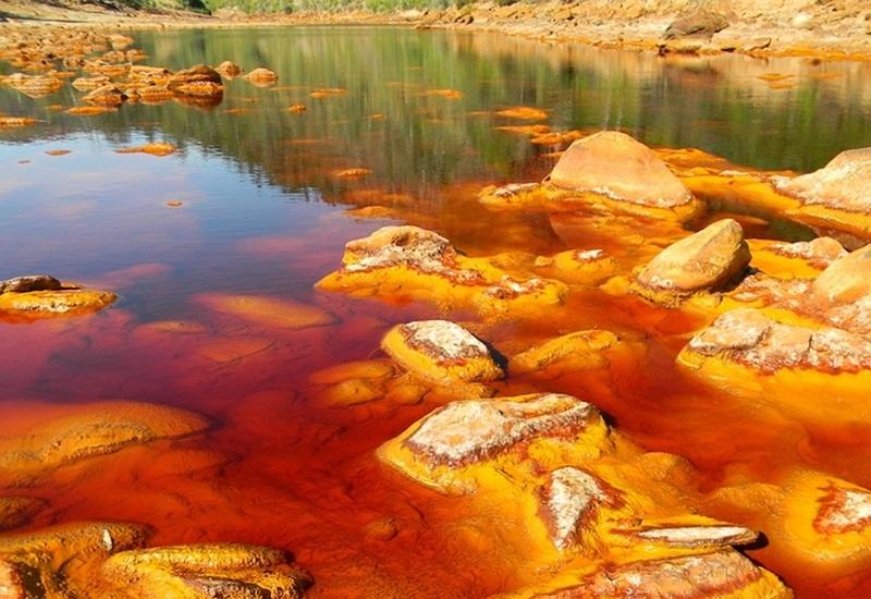 8 самых ядовитых озёр планеты