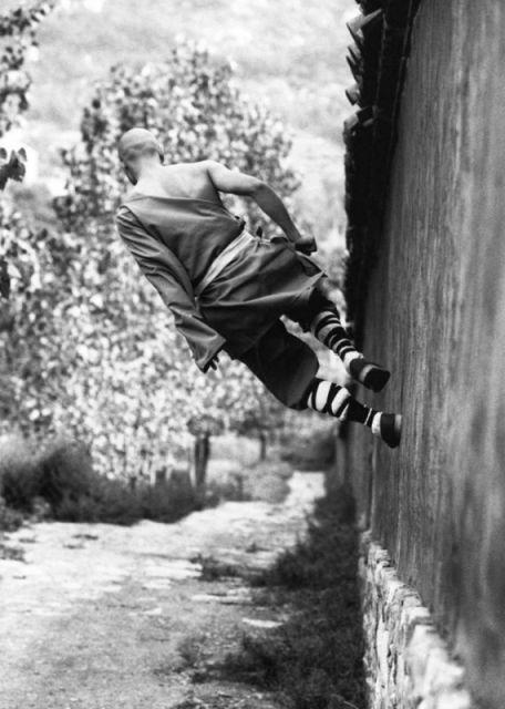 Монах Шаолиня бегущий по стене, Китай, 1989 год. СССР, история, фото