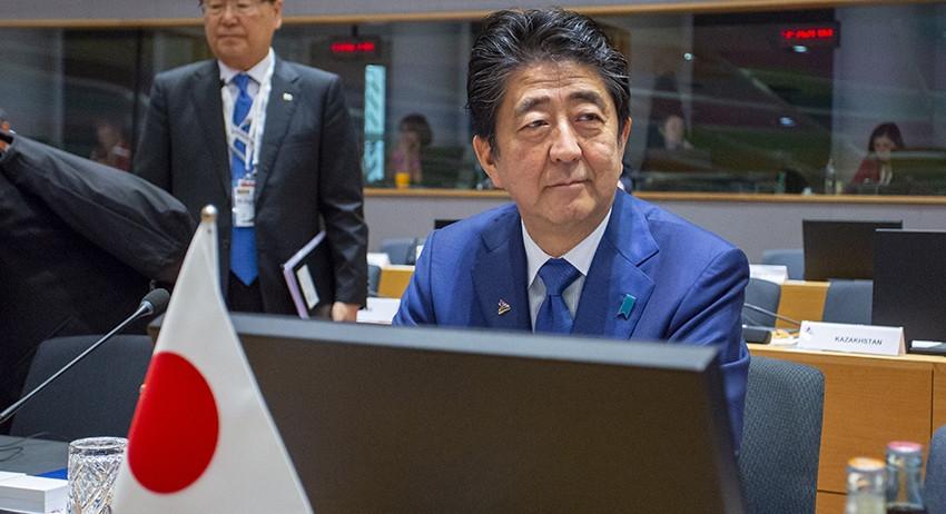 Синдзо Абэ выдвинул невыполнимое условие заключения мирного договора с Россией