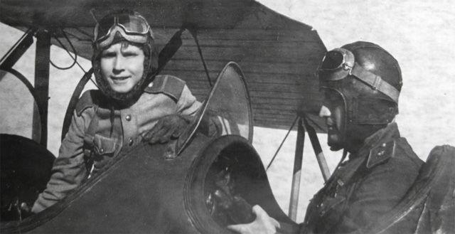Самый юный лётчик Отечественной Войны...