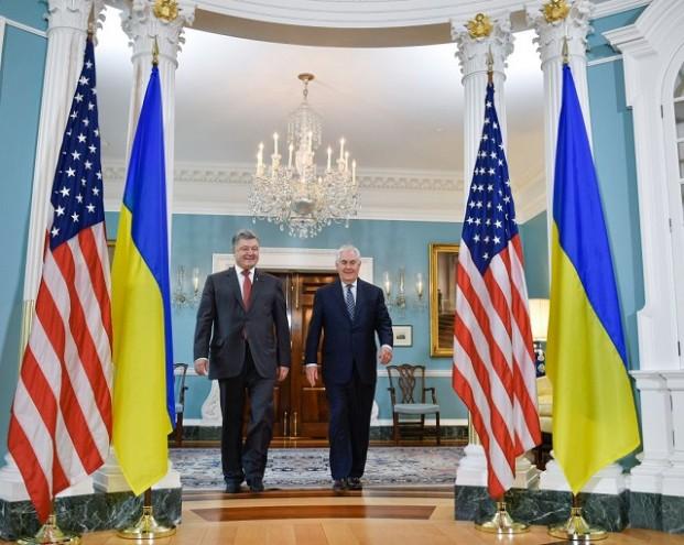 Порошенко и Тиллерсон обсудили «возвращение Крыма»